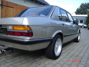 BMW Restauration E28 525i Bj1985